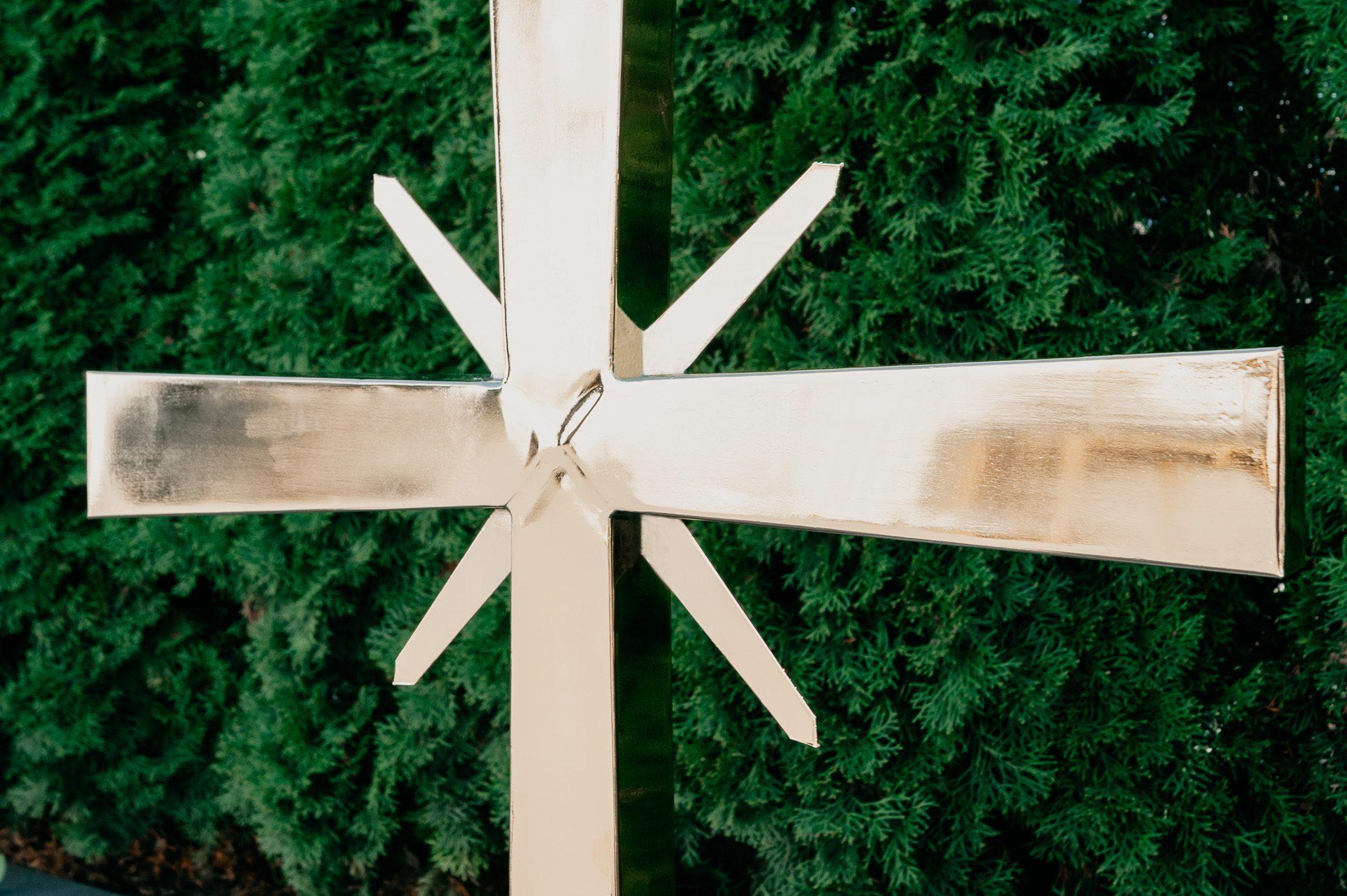 Pozłacanie, złocenie krzyża
