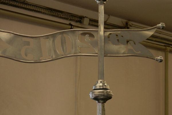 Cynkowa szpica z chorągiewka na dach z datą