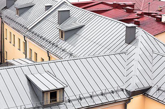 Mieć dach nadgłową